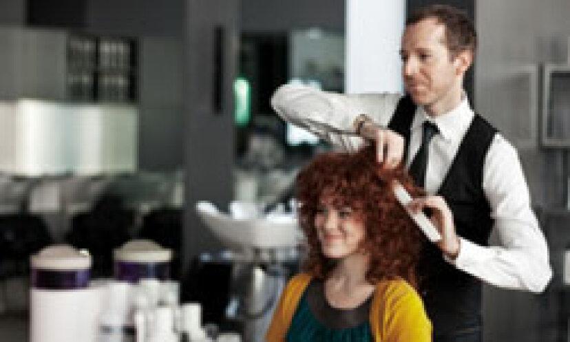 あなたのヘアスタイリストがあなたに知られたくない10のこと