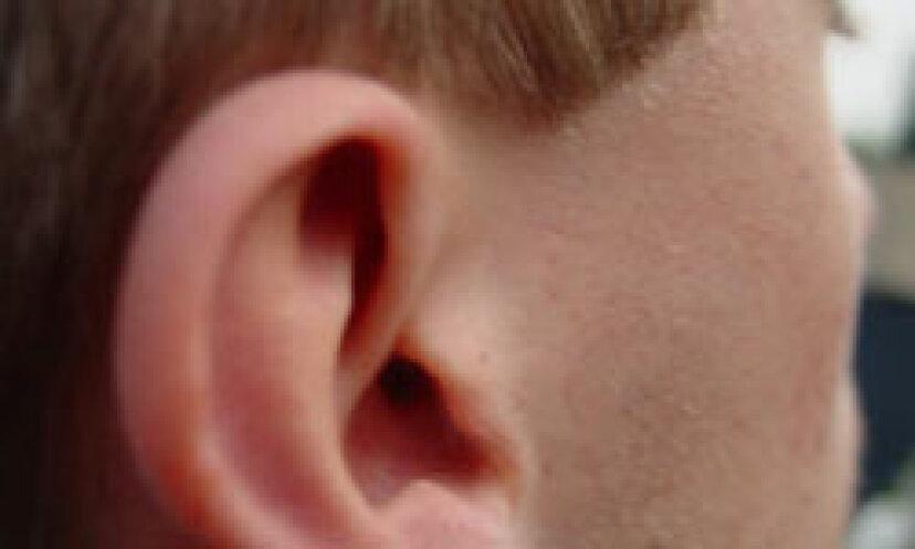 あなたの耳をポップする方法