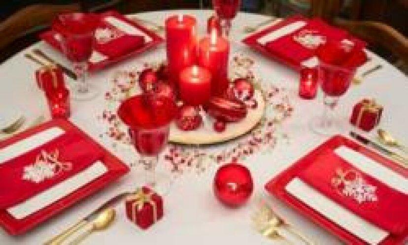 休日のテーブル設定の写真