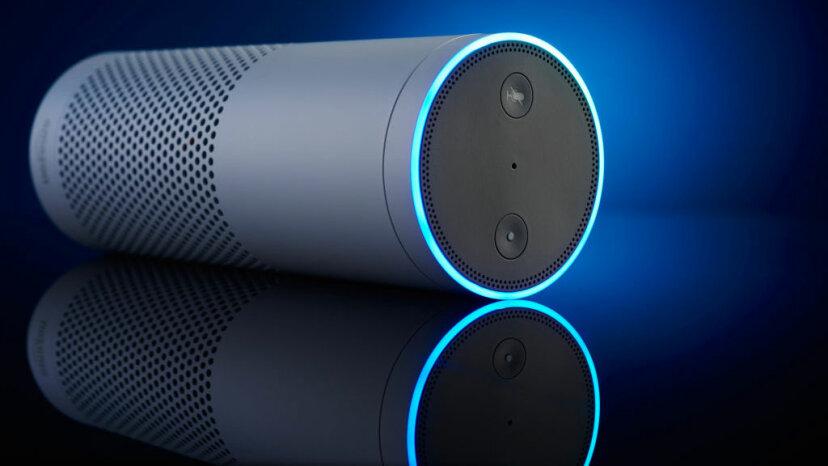 Sollten intelligente Geräte in der Lage sein, die Polizei automatisch anzurufen?