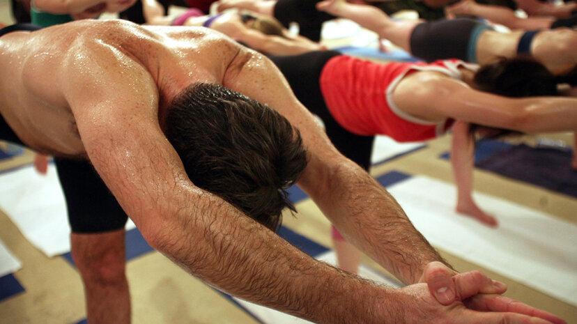 Hot Yoga funktioniert, muss aber nicht so heiß sein