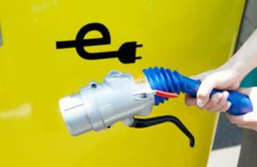 電気自動車の充電にはどれくらいの費用がかかりますか?