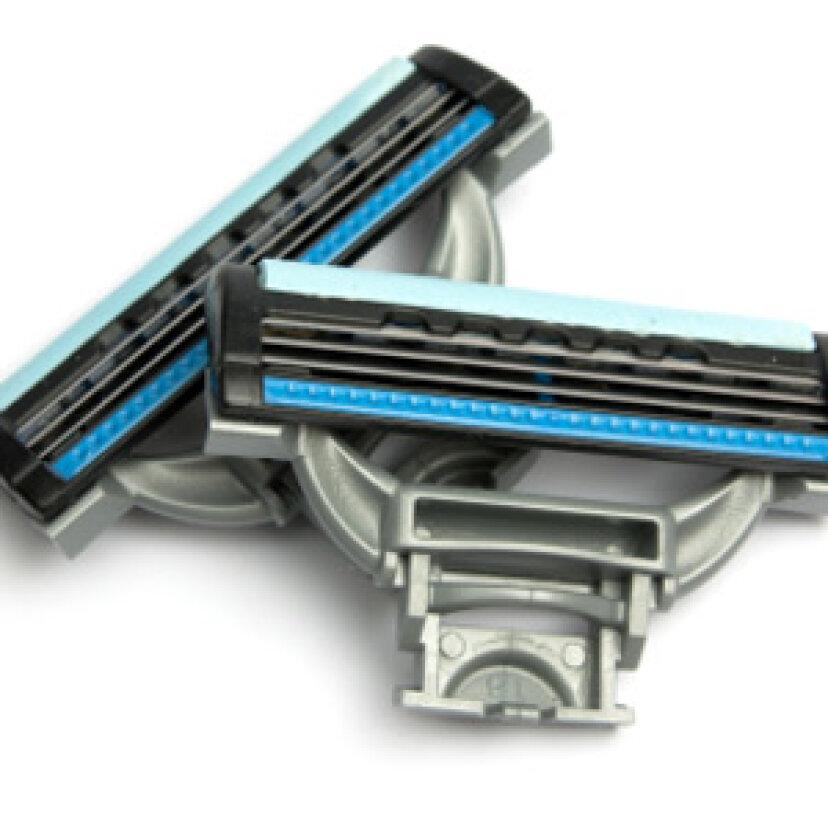 どのくらいの頻度でかみそりの刃を交換する必要がありますか?