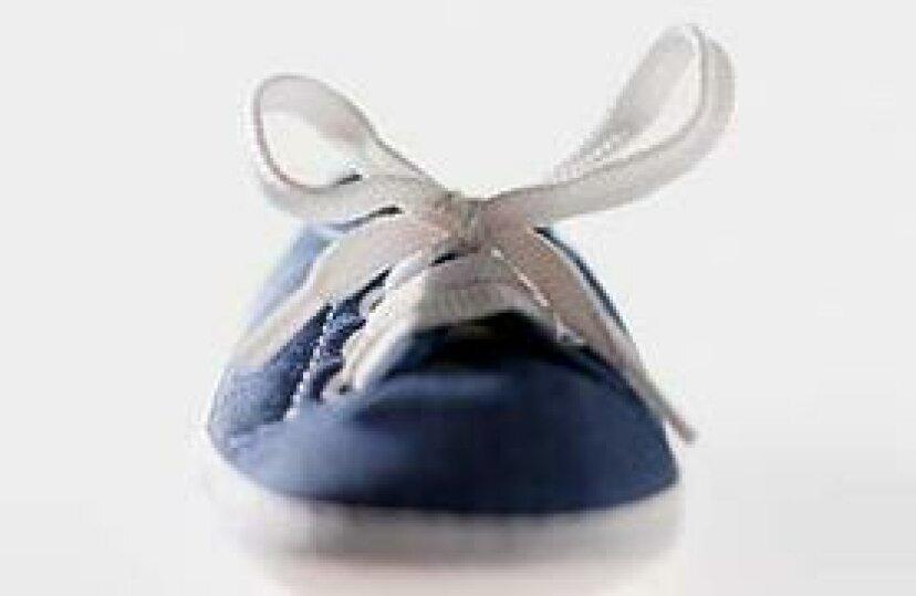 靴紐アグレットを修理する方法