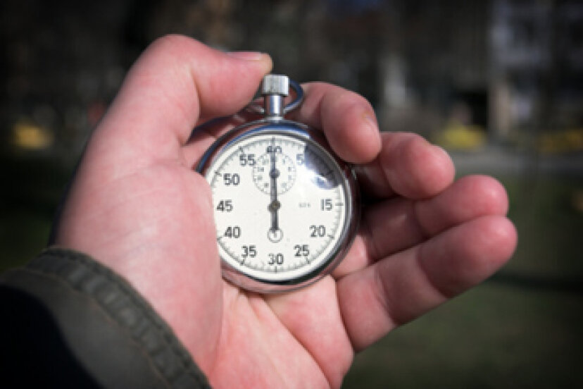 車両停止時間をテストする方法