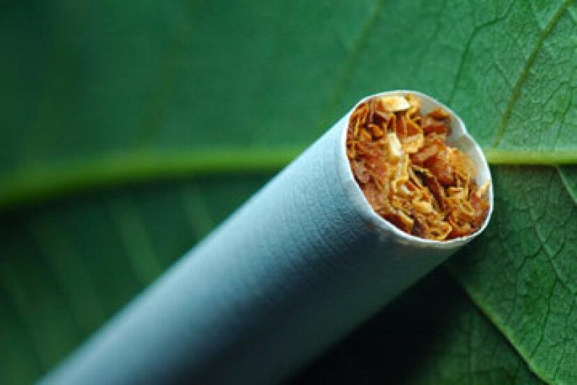 とにかく、人間はいつ喫煙を始めましたか?