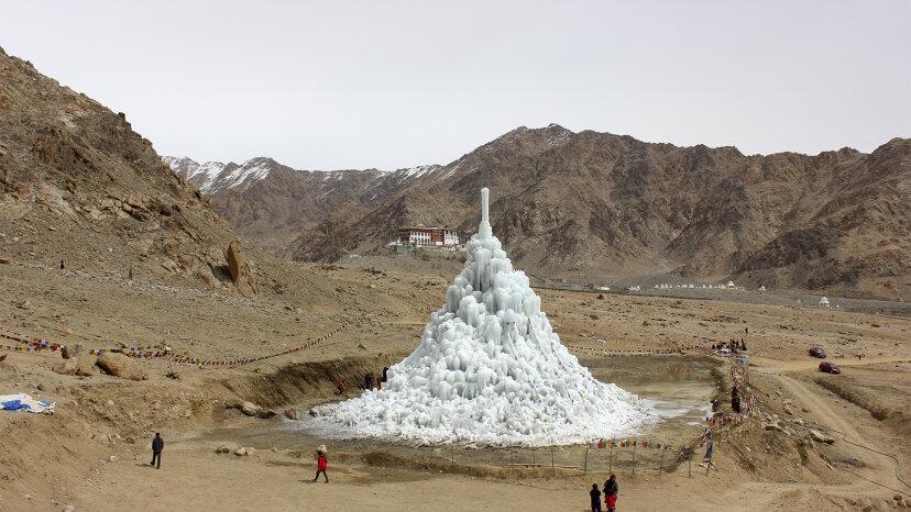 人工氷河がヒマラヤをどのように水和させているか