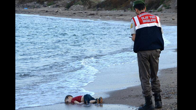 """艾伦Kurdi""""border="""