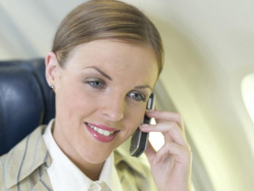 機内携帯電話サービスの仕組み