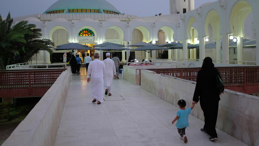 people entering mosque, Saudi Arabia