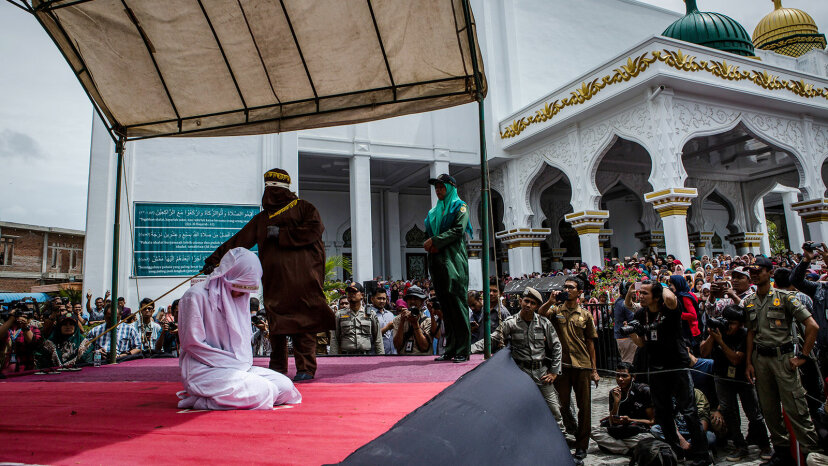 public caning, Sharia law, Indonesia