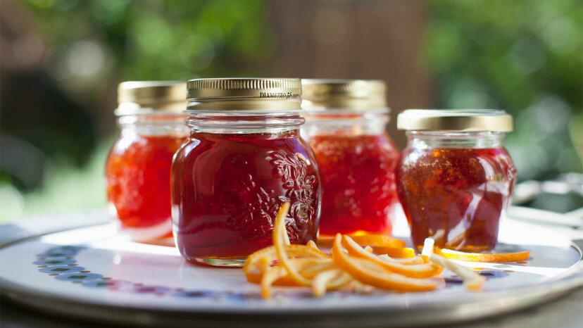 jars of orange marmalade