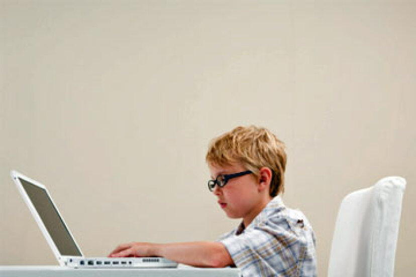 子供に優しいラップトップコンピュータを選択する方法