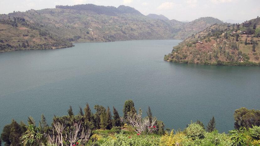 ¿Qué hace que un lago 'asesino' explote?