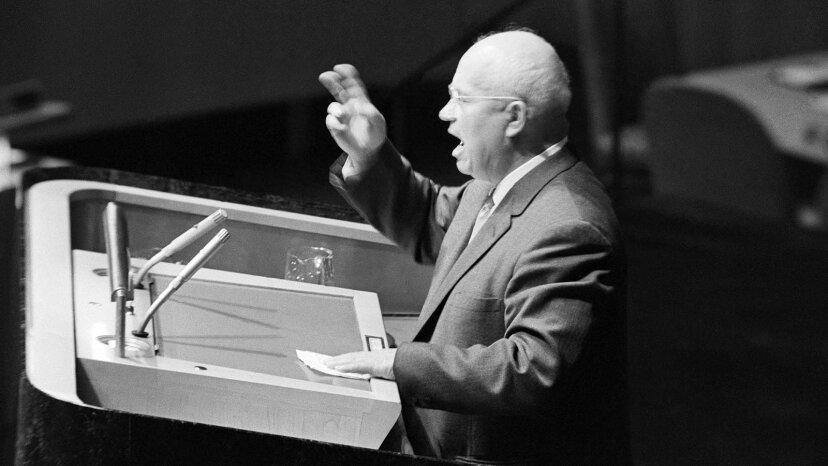 ニキータ・フルシチョフは本当に国連で反抗して靴を叩きましたか?