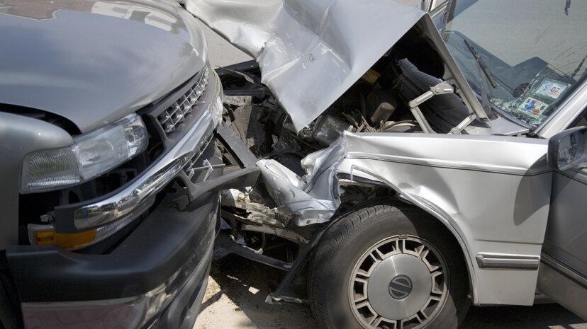 左利きは道路上でより危険ですか?