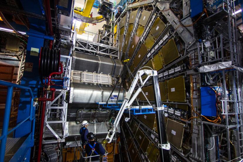 LHCは弦理論を証明できますか?
