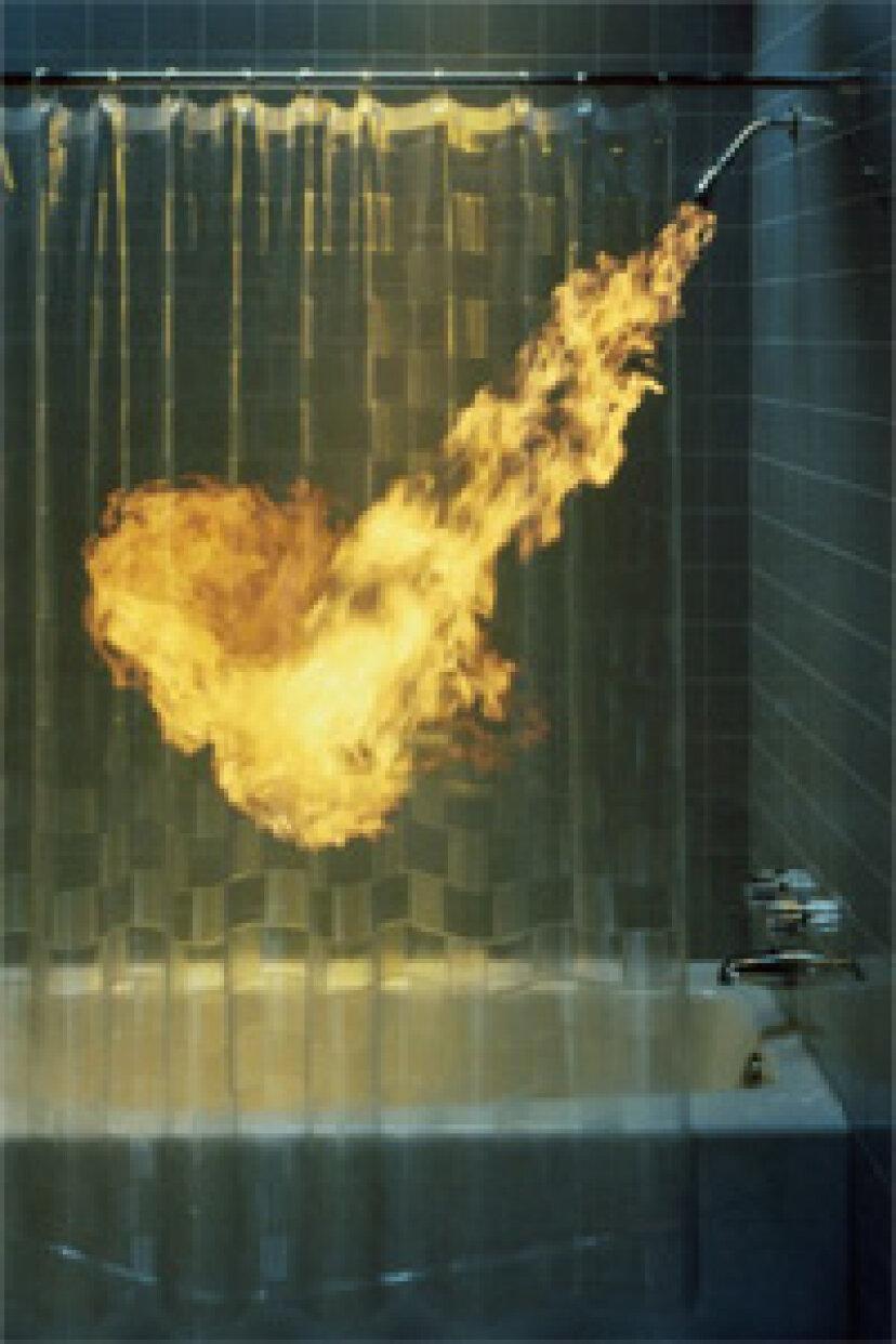 長くて熱いシャワーは肌に悪いですか?