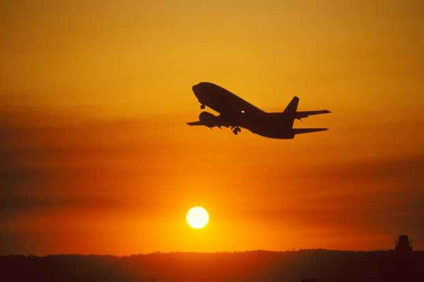 最低航空運賃を見つけるための10のヒント