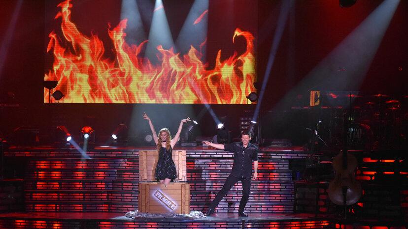 Hannah Lynne Wagster and Brandon Wagster magic act