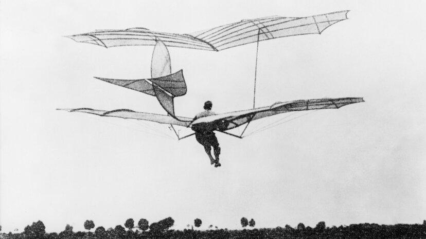 人間が最初に飛ぶ試みは何でしたか?