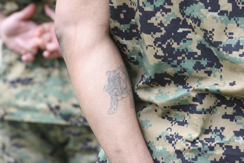 米軍には入れ墨に関する規則がありますか?
