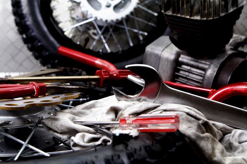 あなたのオートバイのツールバッグには何が入っているべきですか?