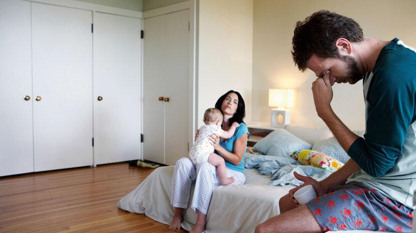 男性は子供を気にしないときはもっとリラックスし、少ないことをする傾向があります