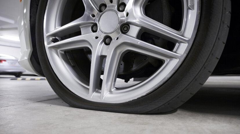 自動車メーカーがスペアタイヤを捨てる理由