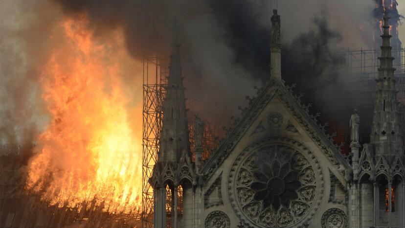 ノートルダム大聖堂:彼女を建てるのに何が必要か