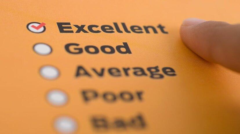 従業員が満足しているかどうかを判断するための最良の方法は何ですか?