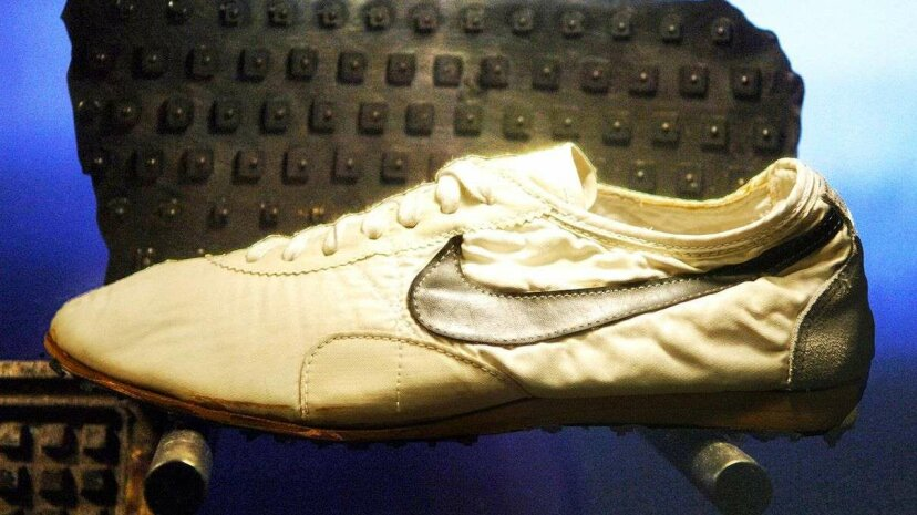 ばかげた歴史:ナイキの最初の靴はワッフルアイアンで作られました