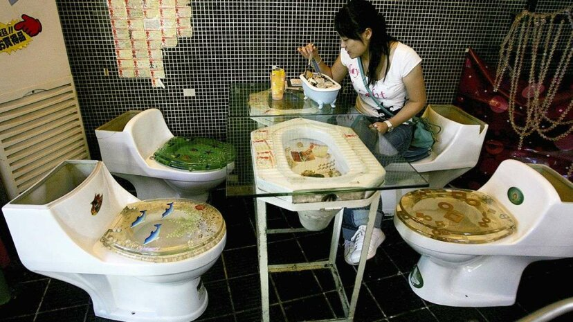 Toilet-themed cafe opens in Moscow Reuters