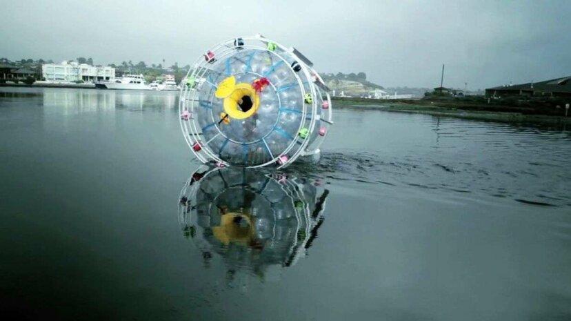 Este tipo intentó cruzar el océano Atlántico en una burbuja, otra vez