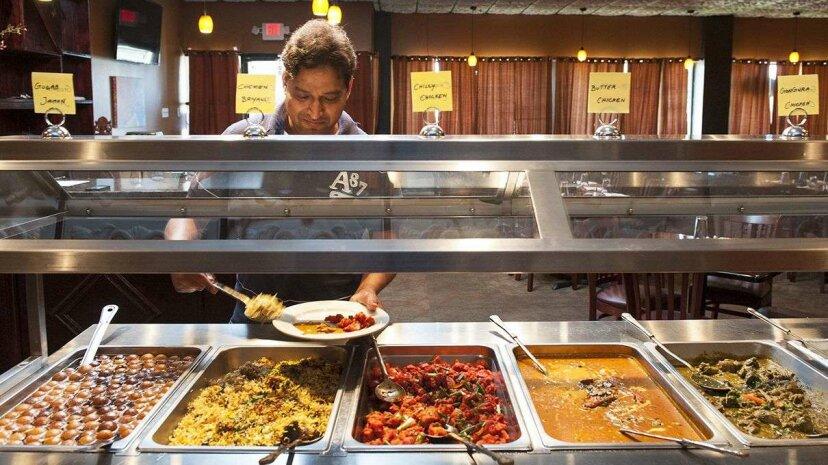 レストランは食べ残しの食品に対して罰金を課すべきですか?