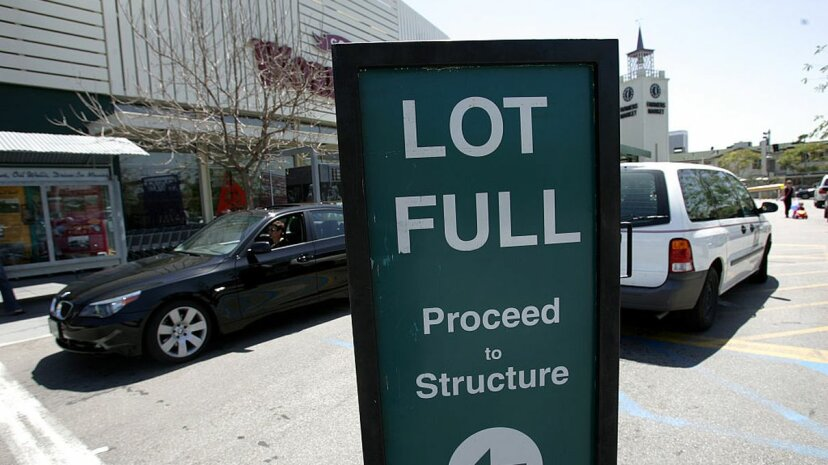 Cómo los estacionamientos rastrean los espacios abiertos y por qué a menudo se equivocan