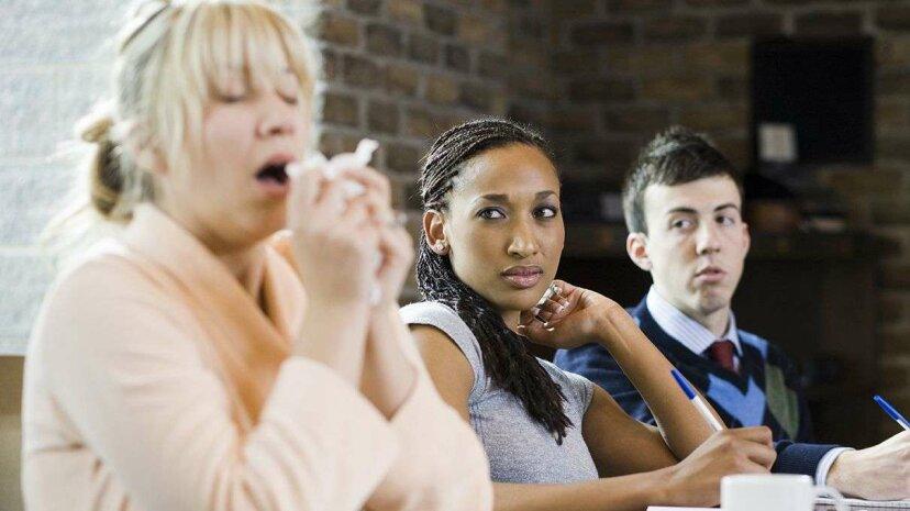 くしゃみをするものは何もない:アレルギーは脳に影響を与える可能性がある