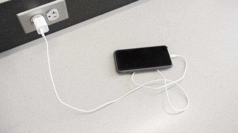 3 Mythen über Smartphone-Akkus, die sterben müssen