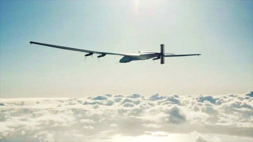 Cómo es circunnavegar el globo en un avión solar