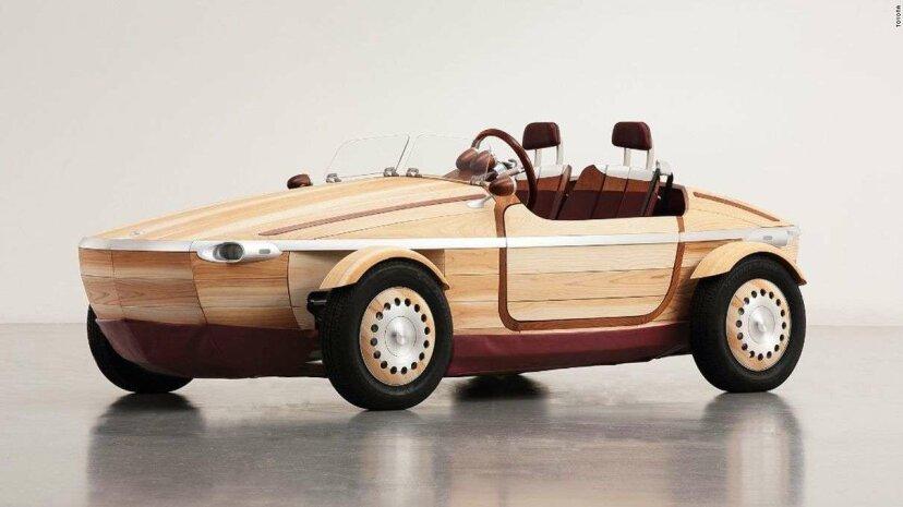 トヨタの最新の電気コンセプトカーは木で作られています