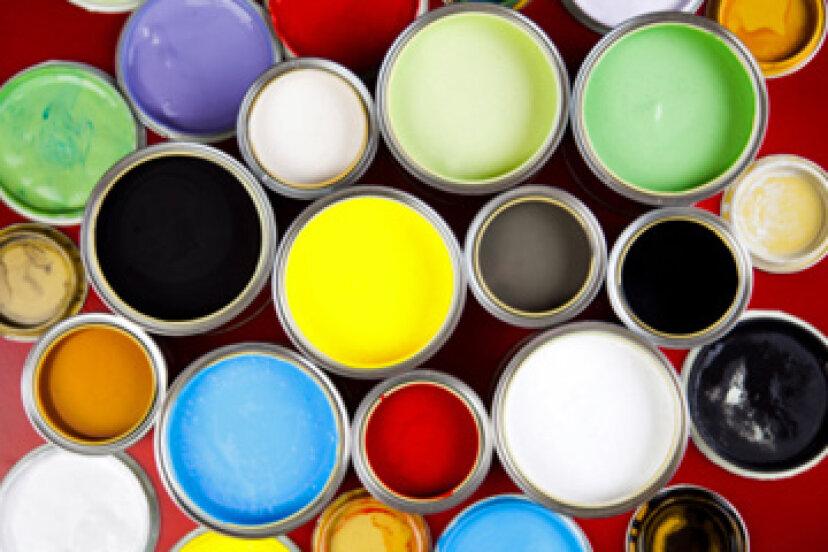 スプレーガン用のラテックス塗料を薄くする方法