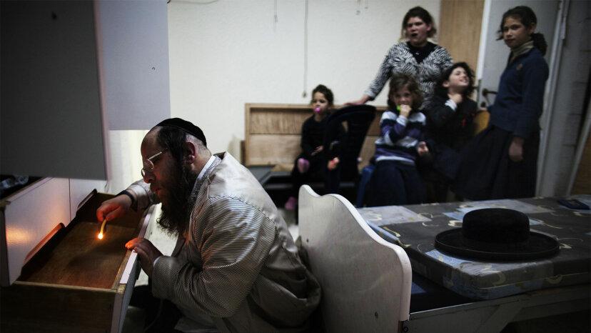 Orthodox Jewish man, looking for leaven