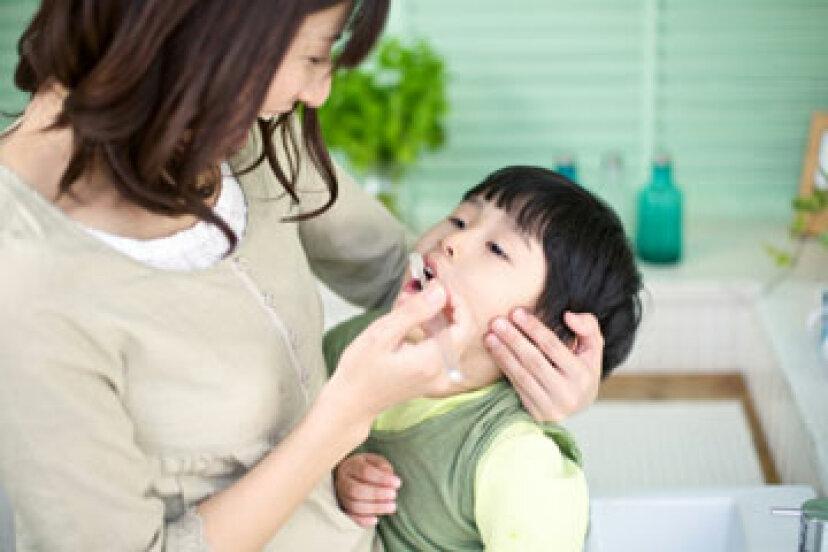 子供の歯からプラークを取り除く方法