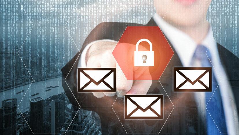 プライバシーポリシーの更新メールが大量に届くのはなぜですか?