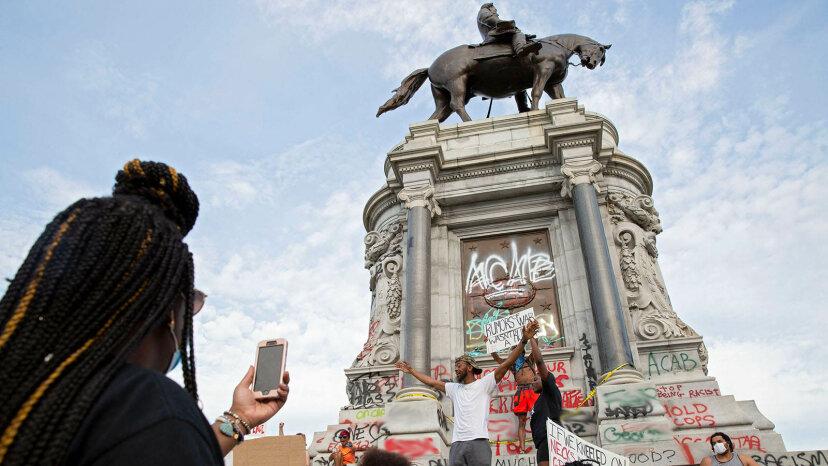 公共の記念碑の削除のしくみ