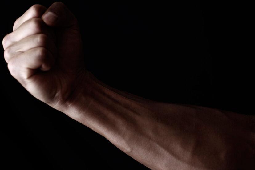 人間は手足を再生できますか?
