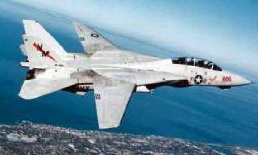 あなたの6を見る:軍用機の写真