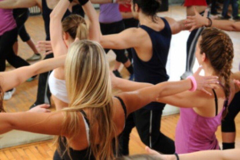 適切なダンスワークアウトルーチンを見つける方法