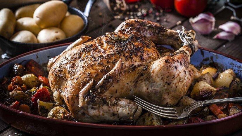Wie man ein Huhn brät