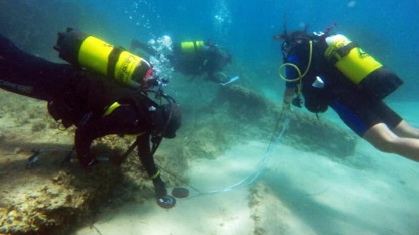 チュニジアで水中で発見されたローマ時代の遺跡